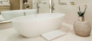 Hot Trends For 2021 | Mirrors Above Baths